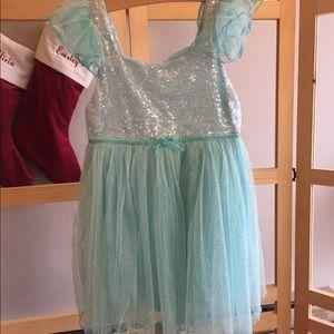 NWOT Flutter sleeve dress